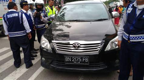 Tv Mobil Di Medan beroperasi tanpa izin 6 unit grabcar di medan ditertibkan