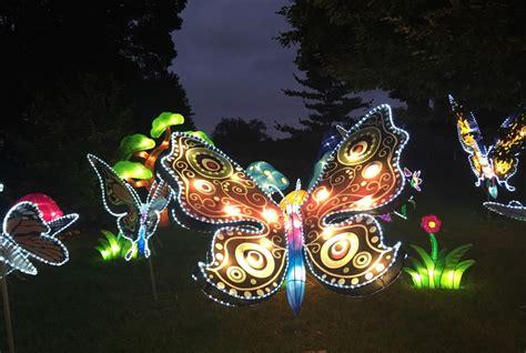 botanical gardens milwaukee wi lantern festival opening at boerner botanical