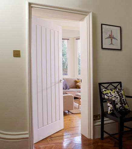 Howdens Interior Doors Dordogne Smooth Moulded Panel Doors Doors Joinery Howdens Joinery Lobby