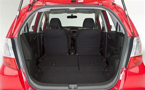Toyota Yaris Back Seat Fold Hb Base Model Back Seat Question Page 2 Toyota Yaris