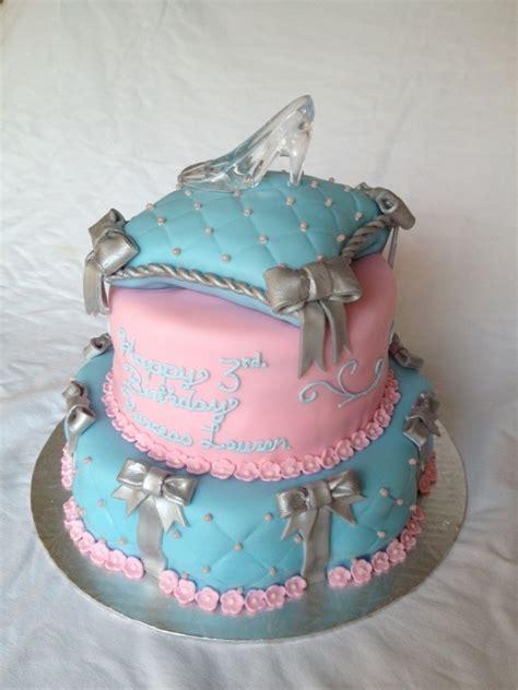 glass slipper cake glass slipper pillow cake by marypoppins1 on cake central