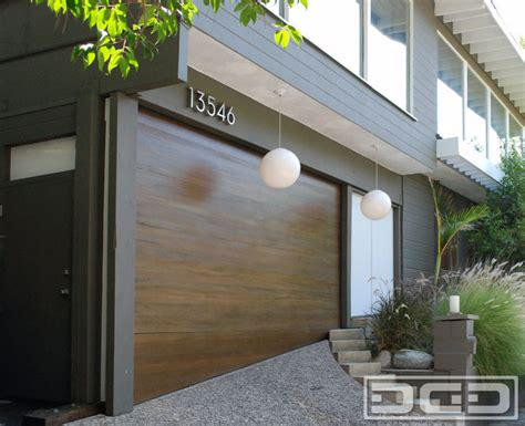Uneven Garage Door by Uneven Threshold Garage Floor With A Custom Made Garage