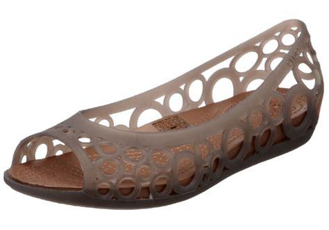 crocs rubber boat shoes monsoon footwear best footwear in monsoon season crocs