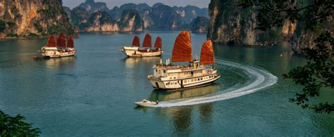 pelican junk boat halong bay pelican cruise halong bay and bai tu long bay