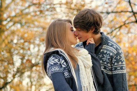 images of love kiss couple teen couple kissing quotes quotesgram