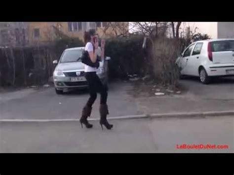 la femme qui ne 9782709661836 cette femme ne sait pas marcher avec des talons youtube