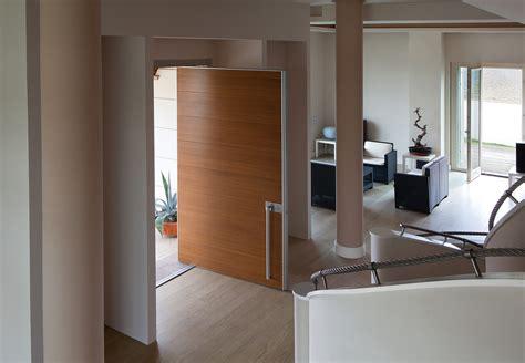 porte a bilico verticale stile in sicurezza le porte blindate a bilico a