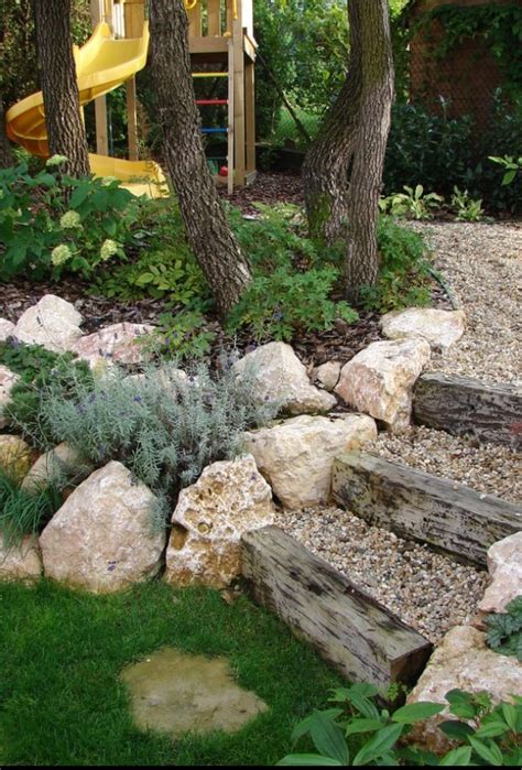 Cheap Garden Rocks Best 25 Cheap Retaining Wall Ideas On Retaining Wall Gardens Deck Edging Ideas And