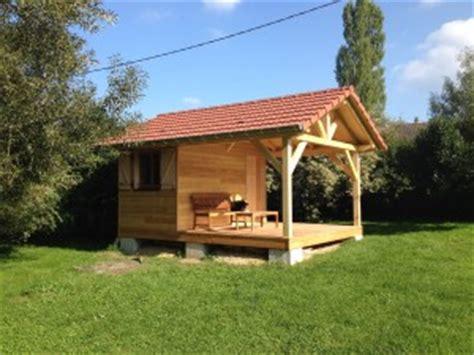 petit chalet en bois de jardin hangar en ossature bois abt construction bois
