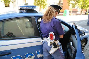 donne al volante senza mutande alessandria e valenza continuano i controlli straordinari