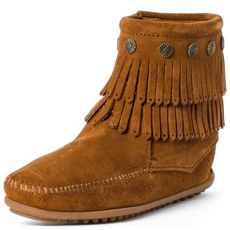 minnetonka fringe womens boots in chestnut