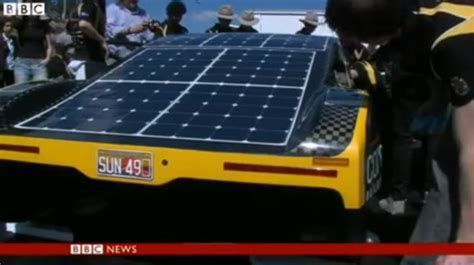 Solar Powered Cruise Cars Use The Sun On The Golf Course by Solar Powered Supercar Covers 500km On A Belly