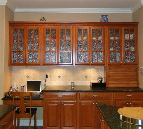 kitchen cabinet glass door replacement what will replacement kitchen cabinet doors glass front be