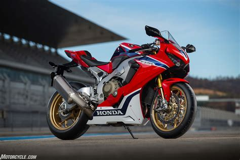 cbr1000rr 2017 honda cbr1000rr and cbr1000rr sp review street cyclez