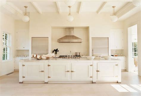 cream kitchen cabinets what colour walls cream kitchen wall color ideas image 167 kitchenidease com