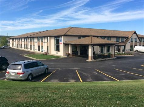 comfort inn ontario comfort inn trenton updated 2017 prices hotel reviews