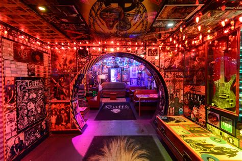 Top Dive Bars In Nyc by Best Dive Bars In Nyc To Grab Cheap Drinks In The City
