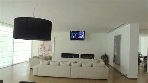 staffe tv da soffitto tv moving chrt staffe tv motorizzate da soffitto