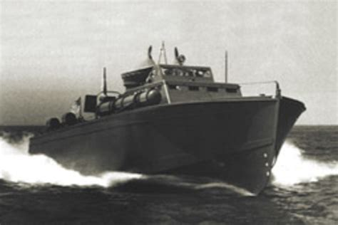 boat online the legendary huckins pt boats soundings online