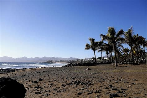 weather lanzarote in january temperature climate