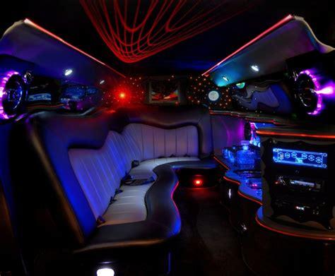 location voiture de luxe avec chauffeur pour enterrement de vie de jeune fille Véhicule avec