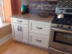 kitchen cabinets reviews furniture make a wonderful kitchen by using kraftmaid