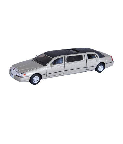 Metal Diecast kinsmart die cast metal 1999 lincoln town car stretch limousine gold buy kinsmart die cast