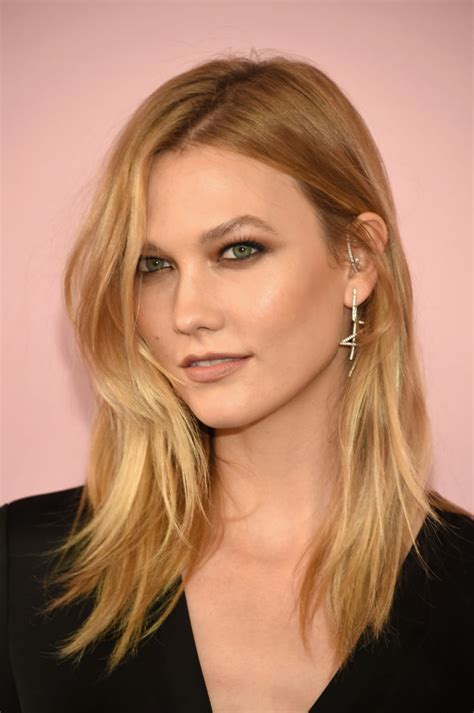 how to style karlie kloss haircut karlie kloss hair transformation 8 times the model was