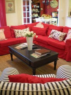 red couch decorating ideas 1000 images about livingroom with red couches on