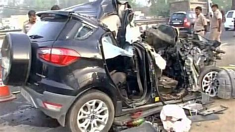 indian car on road latest car accident of ford ecosport in india road