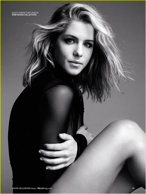 emily bett rickards arrow s emily bett rickards reveals fitness secrets to