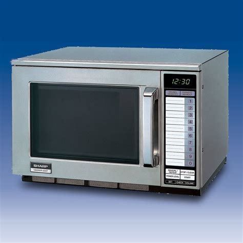 Microwave Sharp R222y W Sharp R22at Microwave 1500w Microwaves From Goodfellows Uk