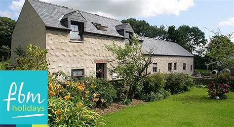 Cottage Holidays With Dogs by Fbm Holidays Pet Friendly Cottage Offers Uk Family Breaks