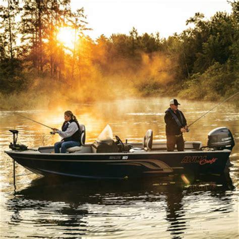 fishing boat rental service minocqua lakeside boat and pontoon rentals storage