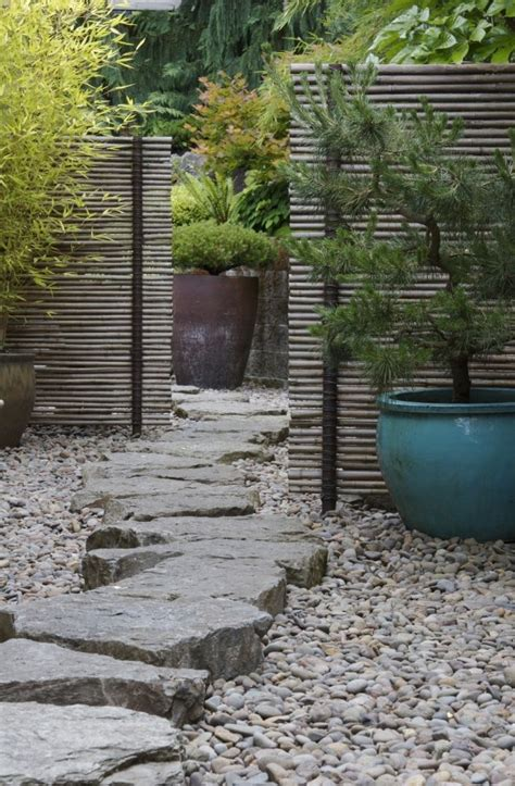 Backyard Path by 43 Awesome Garden Paths Digsdigs