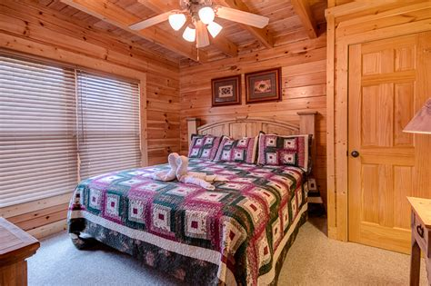 12 bedroom cabins pigeon forge cabin family traditions 4 bedroom