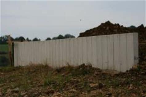 haustür kunststoff grau grundstuecksmauer aus beton l steine bauunternehmen