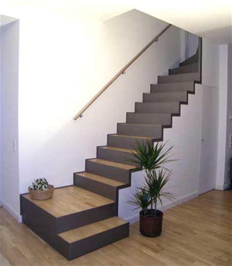 treppengestaltung innen treppe mit integriertem abstellraum