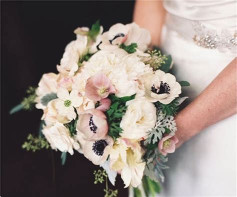 12 gorgeous anemone bouquets   Wedding Inspiration   100