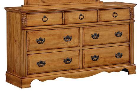 Honey Pine Dresser by Georgetown Golden Honey Pine Dresser From Standard 83009
