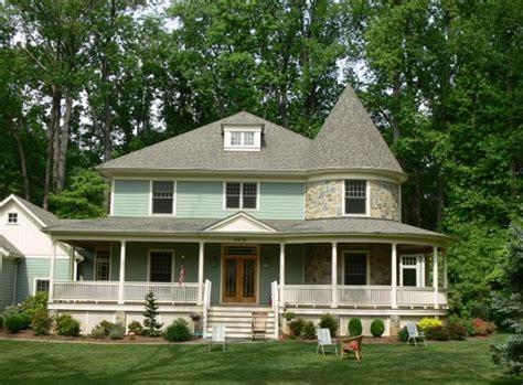 new house plans that look old fachadas de casas estilo victoriano arkiplus