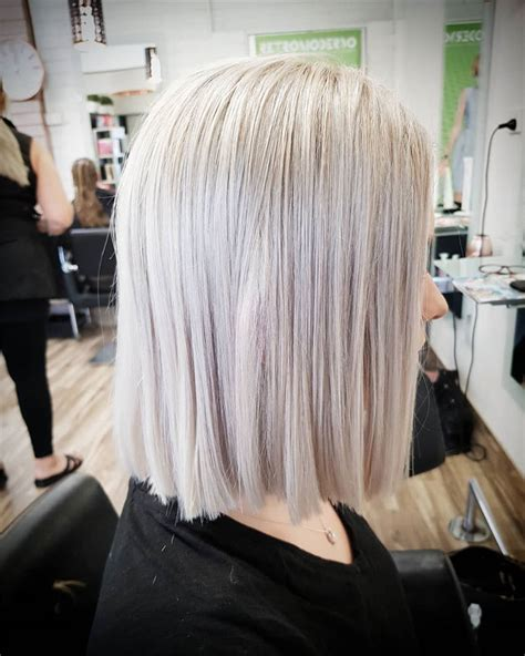 short straight haircuts  women  page