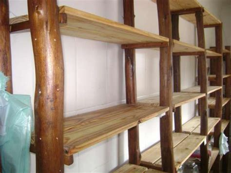 estantera de madera de madera blanca con por