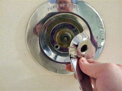 How To Fix A Price Pfister Shower Faucet by Price Pfister Flow Matic Tub Shower Valve Repair 900 0220