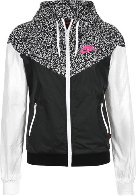 Jaket Nike Sweater Nike nike windrunner aop jacket s black white hyper pink coat jacket and clothing
