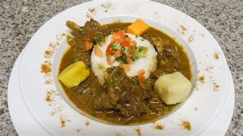 cuisine tahitienne traditionnelle les mets des saintes restaurant 224 marseille 01 cuisine