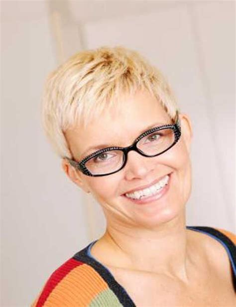 pixie cut for women over 40 pixie haircuts for women over 40 cut pinterest
