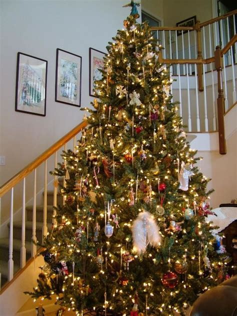 amazing christmas tree themes 16 amazing tree decorating ideas style motivation
