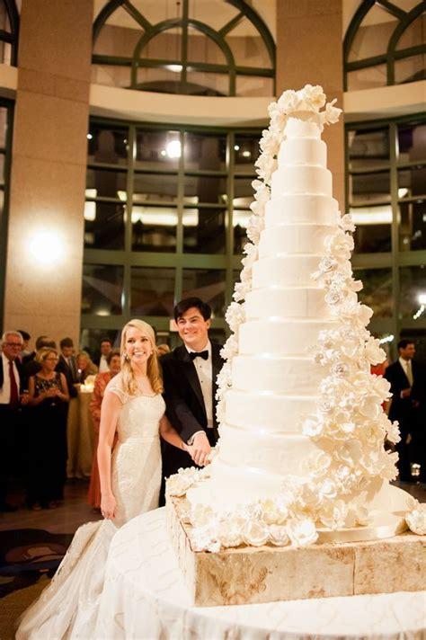 Big Wedding Cakes 25 best ideas about big wedding cakes on