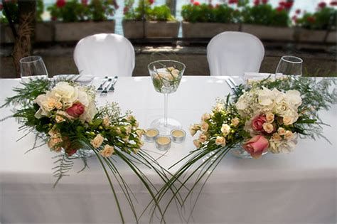 addobbo tavoli matrimonio addobbi floreali con ortensie bianche sul lago d orta